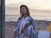 Bella Hadid showed trends in beach fashion
