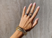 Again with us: the old-fashioned nail-trend is back