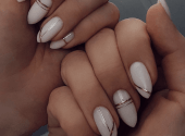 Experts named the most fashionable manicure of 2020